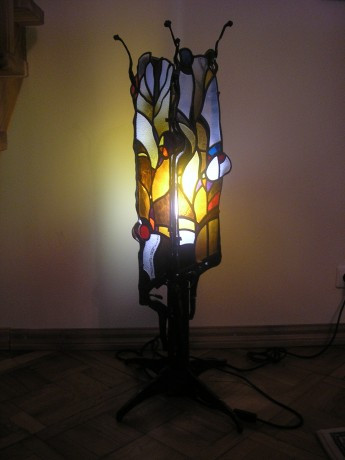 stained_glass_lamp.jpg